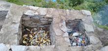 गौरीशंकर गाउँपालिकामा प्रधानमन्त्री रोजगार कार्यक्रम अन्तर्गत वडा ९ गौरीशंकर (टासिनाम)मा विभिन्न स्थानमा इन्सिनेटर निर्माण गरि फोहोरको वेवस्थापन गर्ने कामको थालनी |